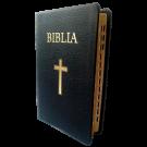 Biblia marime medie, din piele, neagra, index, aurita, cu cruce