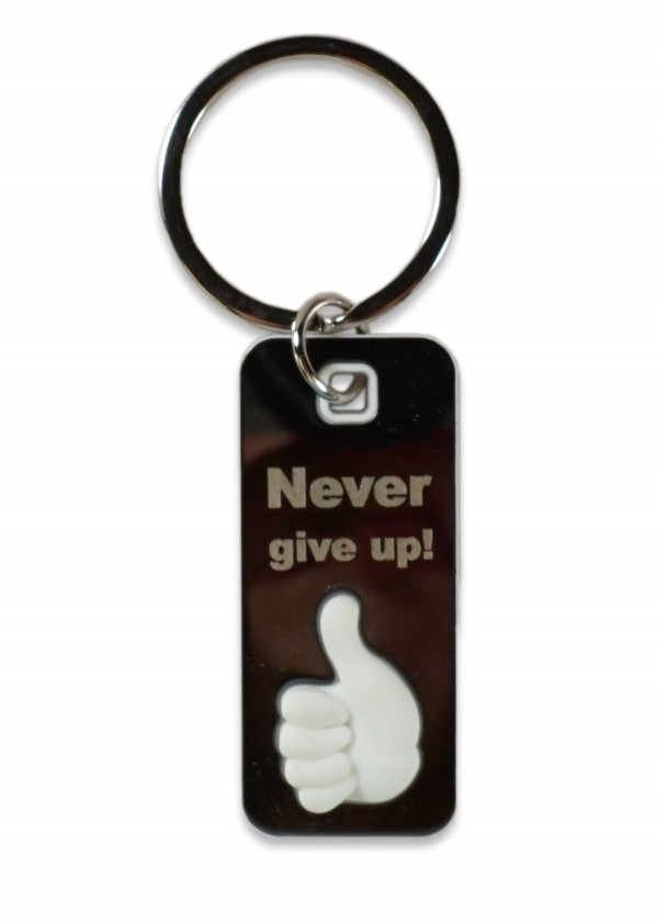 "Breloc metal deget 3D - ""Never give up!"""