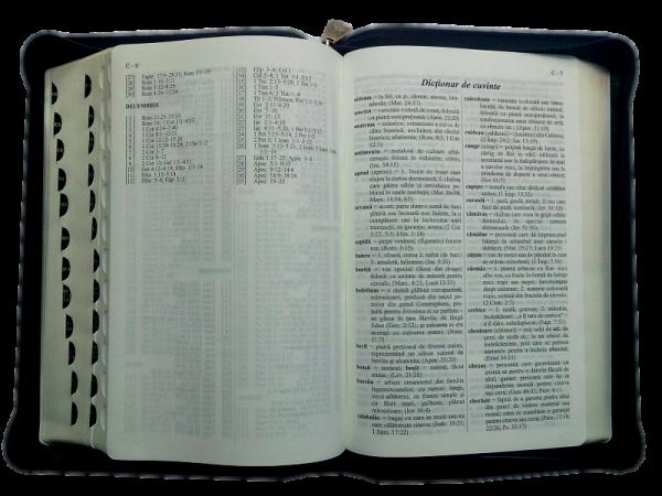 Biblia cu concordanta si explicatii
