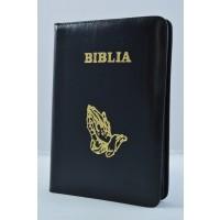 Biblia din piele, marime medie, neagra, margini albe, fermoar, simbol maini in rugaciune, cuv. lui Isus cu rosu [053]