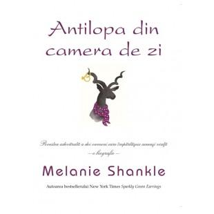 Antilopa din camera de zi de Melanie Shankle