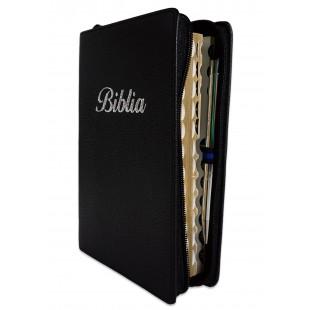 Biblia marime medie, culoare neagra, piele, fermoar, margini aurii, index, cuv. lui Isus cu rosu [MAR 057 PFI]