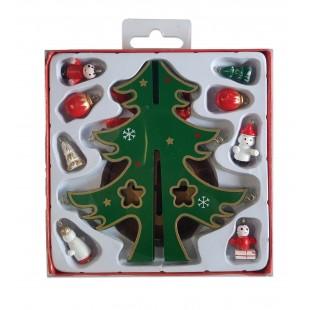 Brad verde din lemn cu ornamente DIY